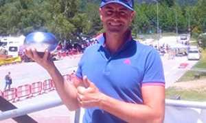 b golf vincitore