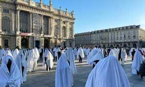 protesta fantasmi torino